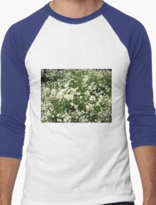 Large field overgrown with small white daisy flower Men's Baseball ¾ T-Shirt