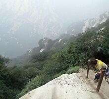 Don't look down, Hua Shan, Shaanxi by DaveLambert