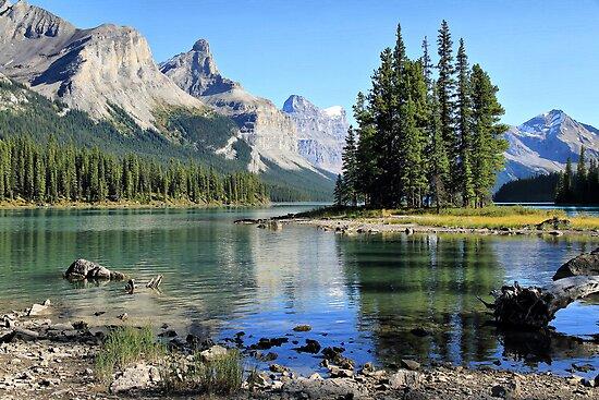 Spirit Island, Maligne Lake, Jasper NP by Teresa Zieba
