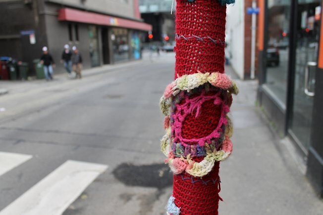 knitted pole by allthelovelies