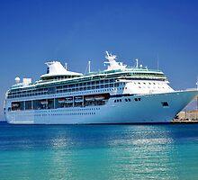 Cruise ship. by FER737NG