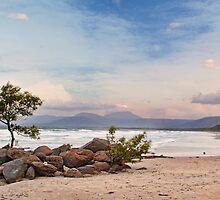 Windy 4mile Beach by ea-photos