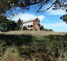 Abandoned orphanage, Goulburn by DashTravels