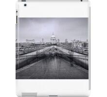 Millennium Bridge and St Pauls Cathedral  iPad Case/Skin