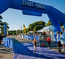 Kingscliff Triathlon 2011 Finish line B5906 by Gavin Lardner
