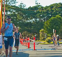 Kingscliff Triathlon 2011 Finish line B5976 by Gavin Lardner