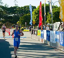 Kingscliff Triathlon 2011 Finish line B5985 by Gavin Lardner