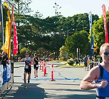 Kingscliff Triathlon 2011 Finish line B5986 by Gavin Lardner