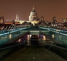 Millennium Bridge and St Pauls Cathedral panoramic by chris2766