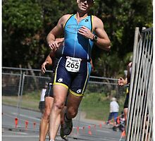 Kingscliff Triathlon 2011 Run leg P010 by Gavin Lardner