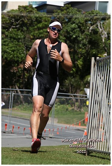 Kingscliff Triathlon 2011 Run leg P551 by Gavin Lardner