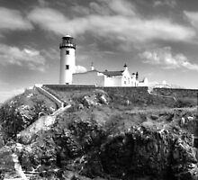 Fanad Head Lighthouse In Donegal, Ireland by Dave  Kennedy