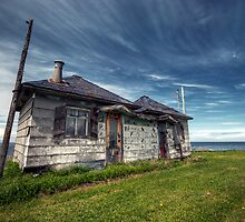 Abandonned House by Thomas Plessis