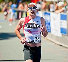Kingscliff Triathlon 2011 finish line B6391 by Gavin Lardner