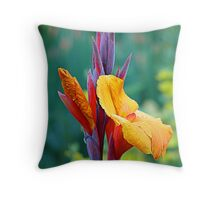 It's NOT a Bird of Paradise (Flower) Throw Pillow