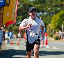 Kingscliff Triathlon 2011 finish line B6448 by Gavin Lardner