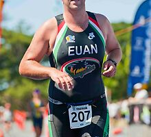 Kingscliff Triathlon 2011 finish line B6449 by Gavin Lardner