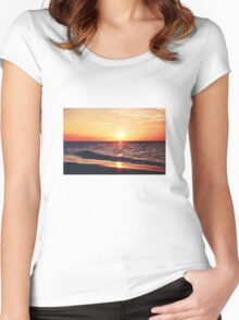 Seadreams Women's Fitted Scoop T-Shirt