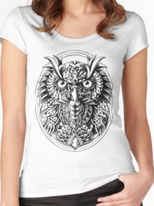 Owl Portrait Women's Fitted Scoop T-Shirt