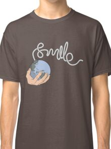 Smile, it's the end of the world Classic T-Shirt