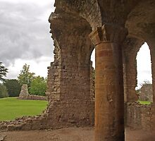 Sherborne Old Castle Pillar by kalaryder