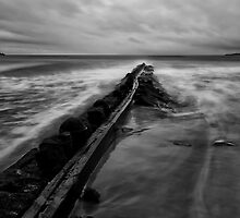 Rock Wall - Pt Lonsdale Victoria by Graeme Buckland