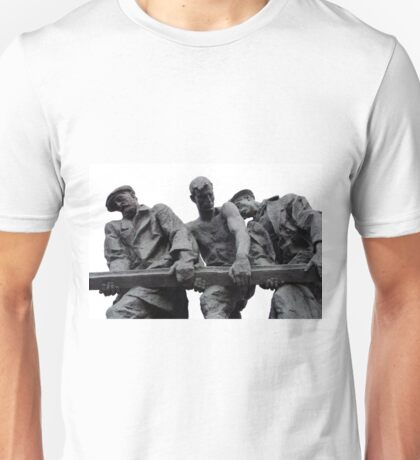 St Petersburg - Siege of Leningrad Memorial Unisex T-Shirt
