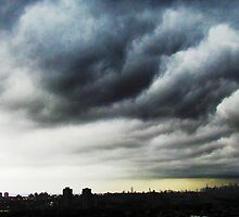 The clouds rollin' into NYC by Alberto  DeJesus