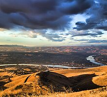 Lewiston Outlook by Mike  Kinney