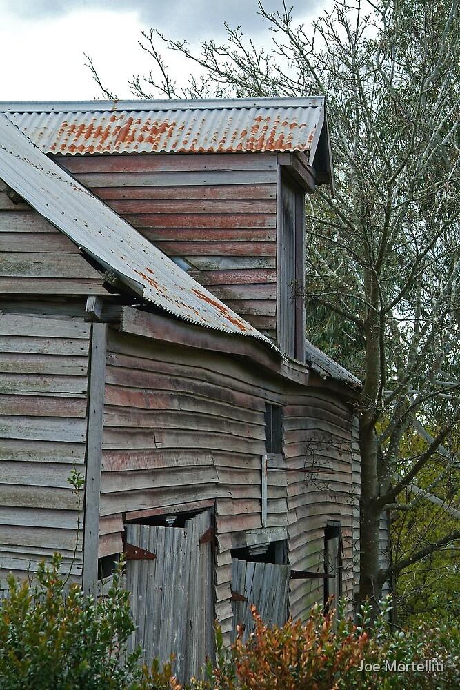 Barn, Ballan Victoria by Joe Mortelliti