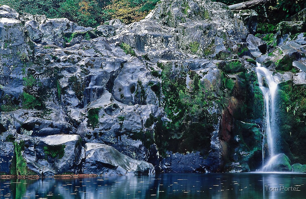 rock wall waterfall by Tom Porter