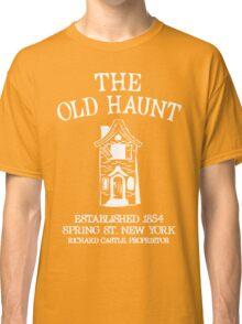CASTLE'S BAR THE OLD HAUNT Classic T-Shirt