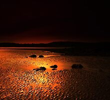 WHISPERS ON THE SAND by leonie7