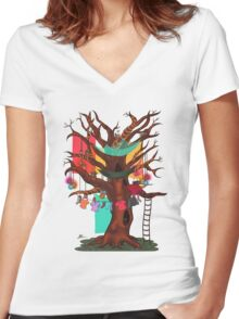 Treehouse Women's Fitted V-Neck T-Shirt