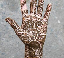 henna hand by Rae Stanton