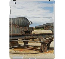 9 inch Guns at The Needles Old Battery iPad Case/Skin