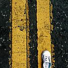 Little lost shoe on double yellow lines iPhone case by Esther  Moliné