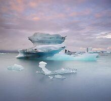 Jökulsárlón, Iceland by Tim Edmonds