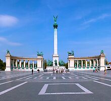 Heroes' Square - Budapest by Luca Tranquilli