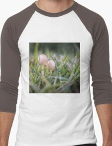 Delicate small fungus in grass  Men's Baseball ¾ T-Shirt