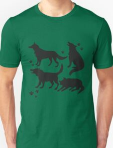 Hand drawn sketch set of wolves silhouettes on white background. T-Shirt