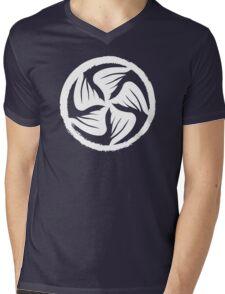Crow clan mon Mens V-Neck T-Shirt