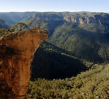 Hanging Rock, Blue Mountains, NSW. by Andy Newman