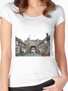 The Landgate, Rye Women's Fitted Scoop T-Shirt