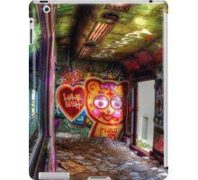 Art will not be abandoned iPad Case/Skin