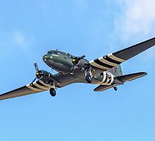 "Douglas Dakota C.3 ZA947 ""Kwicherbischen"" turning finals by Colin Smedley"