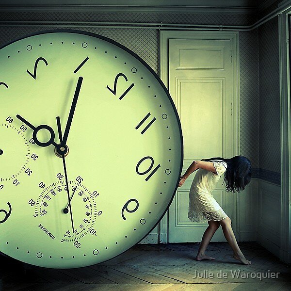 The weight of time by Julie de Waroquier