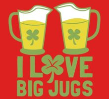I love BIG JUGS green shamrocks St Patricks day beer jugs Kids Tee