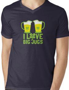 I love BIG JUGS green shamrocks St Patricks day beer jugs Mens V-Neck T-Shirt