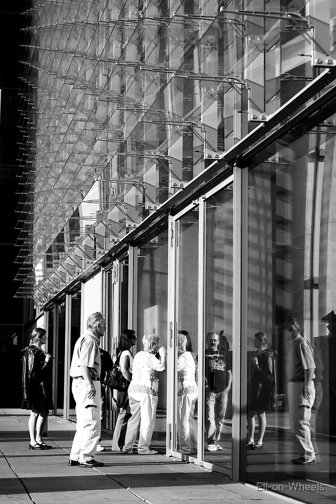 Glass tourists by Ell-on-Wheels